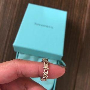 Tiffany & Co - XOXO ring, size 5. Authentic.